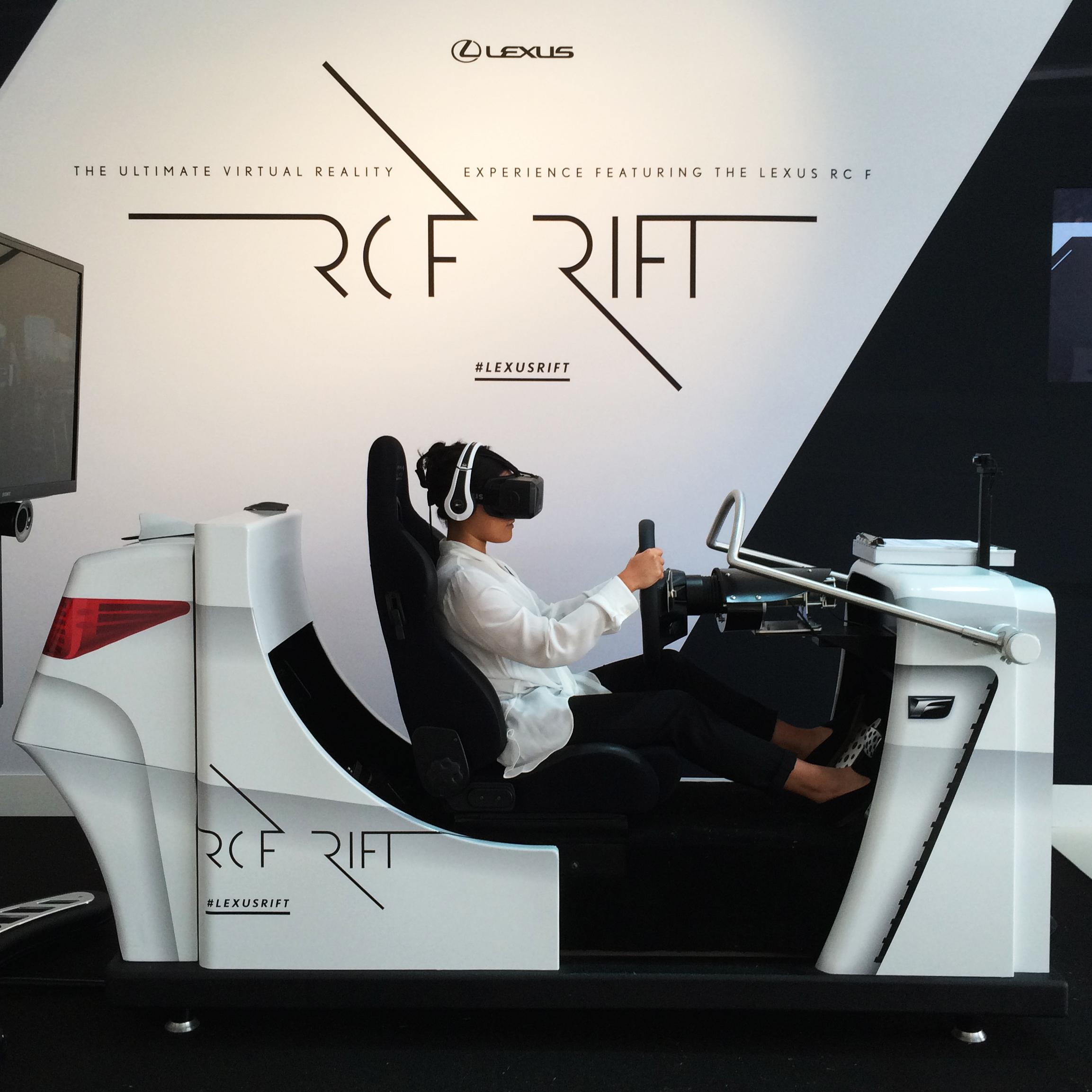 Симулятор Lexus RCF с использованием Oculus Rift Dk2.